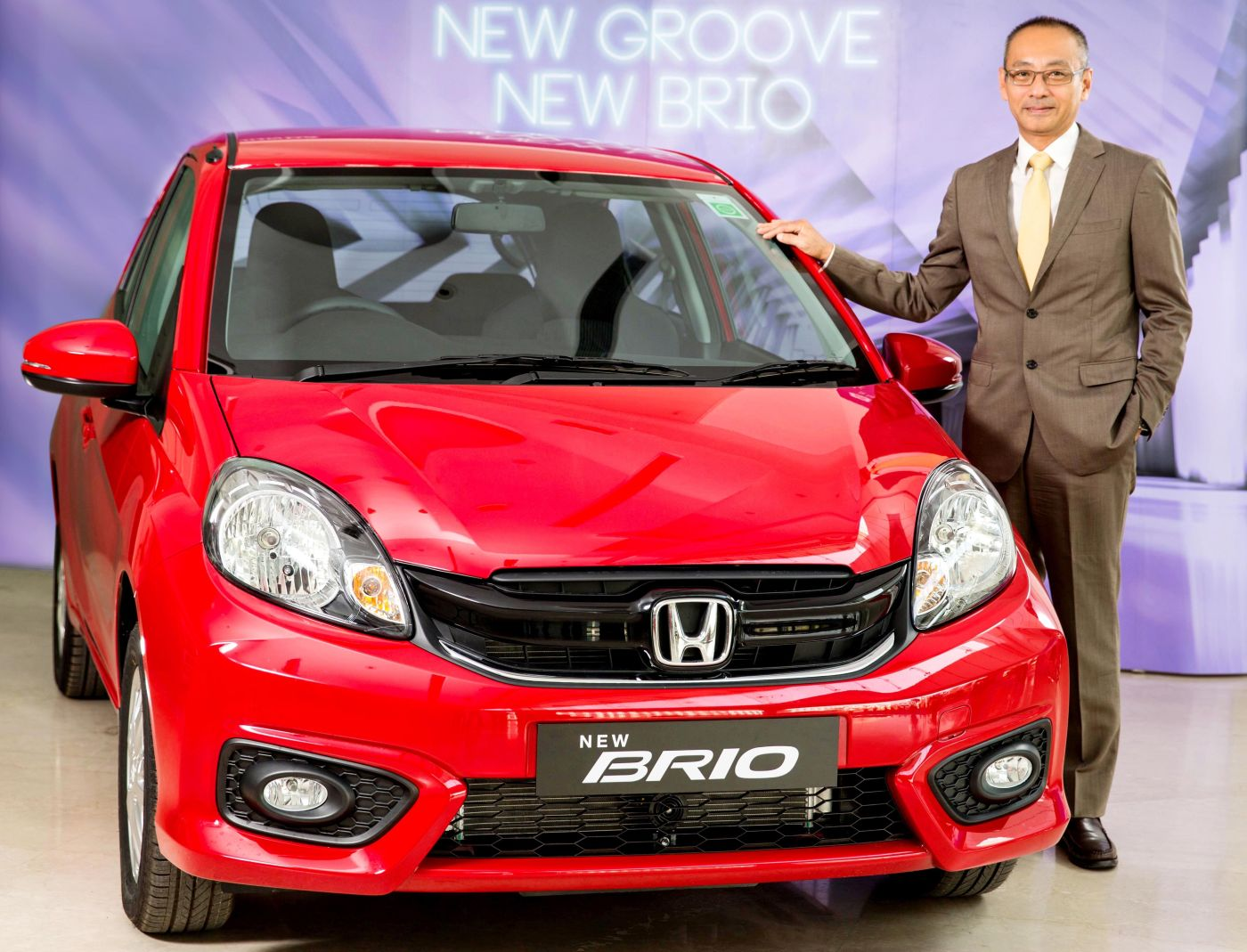 all new honda brio launched in india price starts at rs lakh. Black Bedroom Furniture Sets. Home Design Ideas