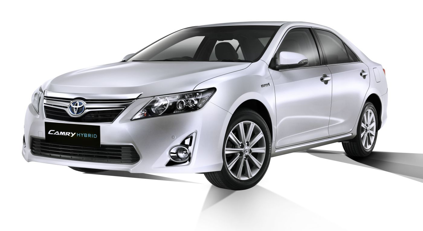 Toyota Camry Hybrid Specification Amp Price In India