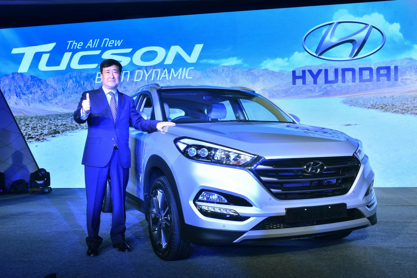 hyundai tucson the global suv launched in india price rs lakh. Black Bedroom Furniture Sets. Home Design Ideas